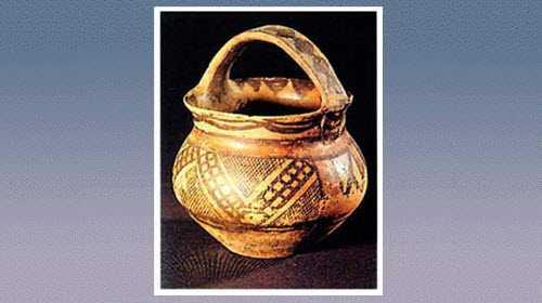 方格曲折纹彩陶提梁罐的图片,尺寸,器形和特征
