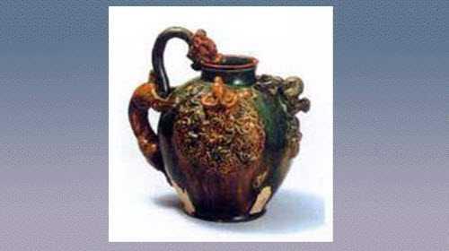 三彩陶龙首壶的图片,年代,特征,器形,尺寸和纹饰