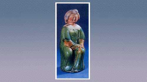 三彩陶女坐俑的图片,年代,特征,器形,尺寸和纹饰