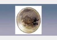 磁州窑白地黑彩刻鱼碟的图片,尺寸,年代,特征,纹饰
