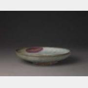 元钧窑天蓝釉紫红斑菊瓣盘的图片,特点,年代,鉴赏,馆藏