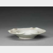 北宋定窑白釉荷叶式盏托的图片,特点,年代,鉴赏,馆藏