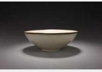 北宋定窑白釉印花折枝花卉纹碗的图片,特点,年代,鉴赏,馆藏
