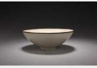 北宋定窑白釉印花鸳鸯鹭莲纹碗的图片,特点,年代,鉴赏,馆藏