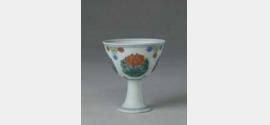 明成化斗彩团莲纹高足杯的图片,特点,年代,鉴赏,馆藏
