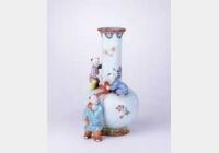 清乾隆粉彩花卉凸三婴戏瓶的图片,特点,年代,鉴赏,馆藏