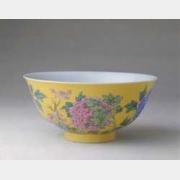 清康熙黄地珐琅彩牡丹纹碗的图片,特点,年代,鉴赏,馆藏