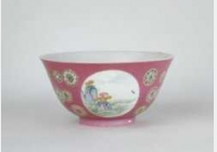 清雍正胭脂红地开光珐琅彩花鸟纹碗的图片,特点,年代,鉴赏