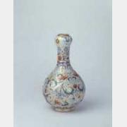 清乾隆珐琅彩缠枝花卉蒜头瓶的图片,特点,年代,鉴赏,馆藏