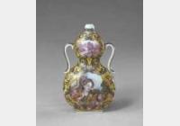 清乾隆黄地珐琅彩开光西洋人物纹绶带耳葫芦瓶的图片,特点,年代