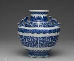 清代乾隆款青花夔龙纹壶的图片,特点,价格,鉴赏,馆藏