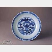 明代宣德窑青花莲塘纹盘的图片,特点,价格,鉴赏,馆藏