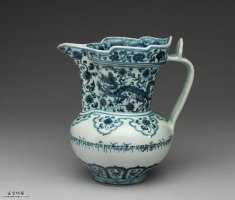 明代宣德青花藏文穿莲双龙纹僧帽壶的图片,特点,价格,鉴赏