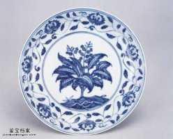 明代成化窑青花栀子花卉纹盘的图片,特点,价格,鉴赏,馆藏