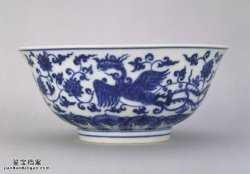 明代成化窑青花穿花凤凰纹大碗的图片,特点,价格,鉴赏,馆藏