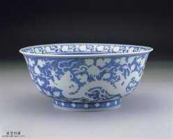明代嘉靖青花蓝地白龙纹碗的图片,特点,