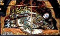 马未都博客文章第1172篇:墓穴中披满金银