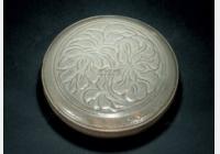 免费鉴宝第81期:金代白地褐彩花卉纹粉盒