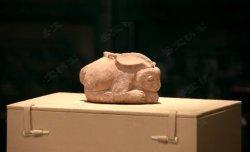 马未都脱口秀《观复嘟嘟》第100期:三国红陶兔,师爷