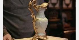 马未都脱口秀《观复嘟嘟》第114期:乾隆豆青釉暗刻蕉叶饕餮纹扁瓶